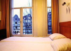 Cheap hotels in amsterdam