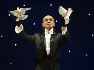magician magic trick birds