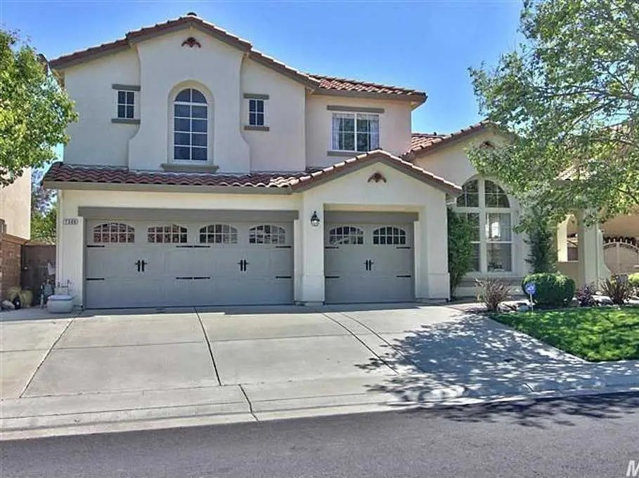 ROSEVILLE, CA: $459,000 buys you a 2,836-square-foot home with four bedrooms and a luxurious pool.
