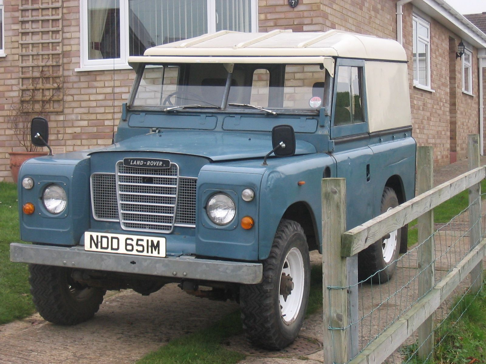 Anyone here ever owned an old Land Rover