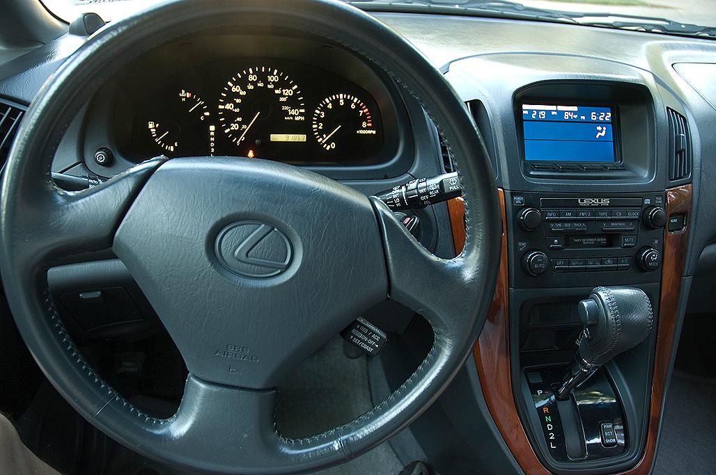 2000 lexus rx300 interior