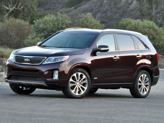 Kia Sorento 2015. Love the color dark cherry/black cherry