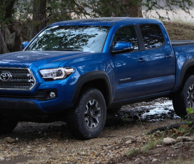 Toyota Tacoma Front Quarter View Exterior Manufacturer Gallery_worthy