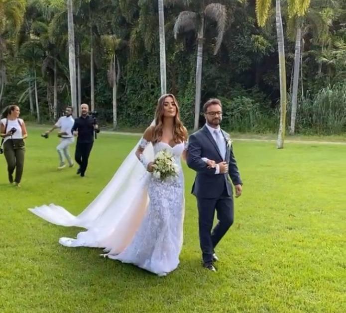 Isadora Pompeo e Thiago Maia se casam no Rio de Janeiro