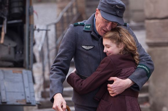 Geoffrey Rush,  Sophie Nélisse în The Book Thief