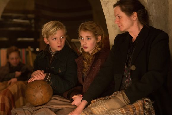 Emily Watson,  Sophie Nélisse,  Julian Lehmann în The Book Thief
