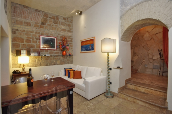 Rome Vacation Rental 1 Bedroom Wifi Colosseo Apartment