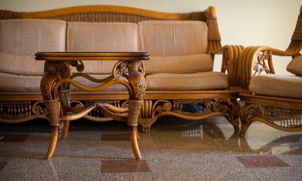 comment nettoyer des meubles cires