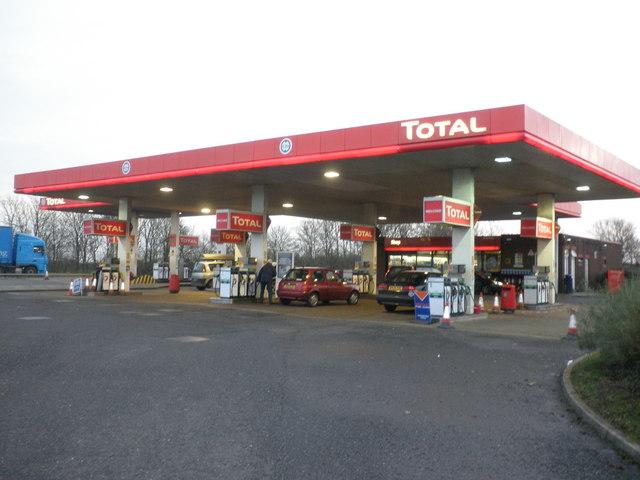 Total_petrol_station,_M5_Motorway_Services,_Sedgemoor_-_geograph.org.uk_-_1636976.jpg