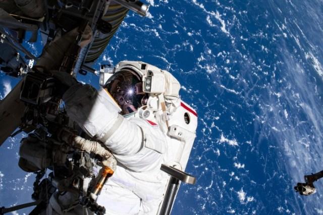 Spacewalker-Thomas-Pesquet-scaled.jpg