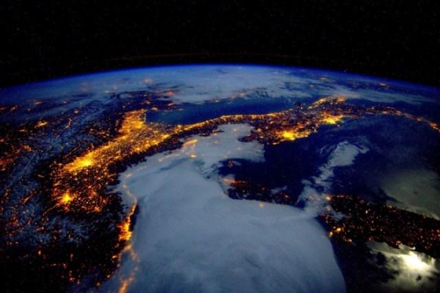 space_view_italy_alps_europe_mountains_sea_ocean_international_space_station-1193026.jpg!d.jpg