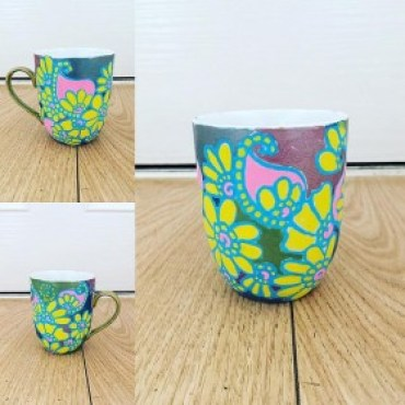 1-Daisy-Mae-280x280 Color Inspiration in Coffee: A Collection of Bright and Magical Mugs Color