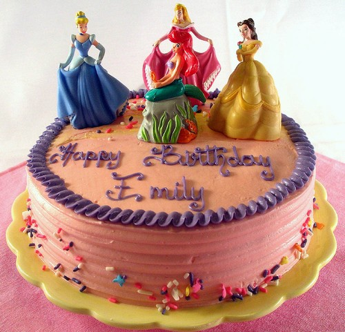6-Pretty-Princess Color Inspiration in Cake: A Rainbow Array of Birthday Confections Color