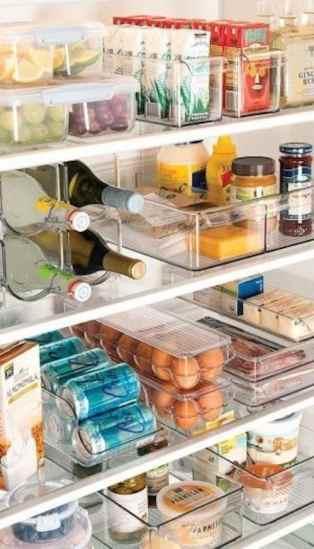 Des boites transparentes pour ranger le frigo