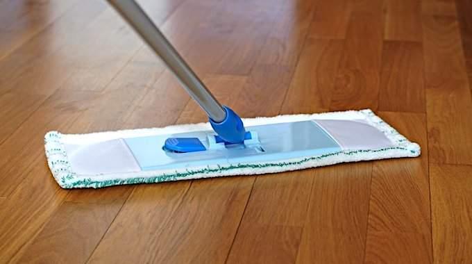 comment nettoyer un parquet stratifie