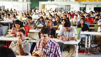 Más de 450 emprendedores abarrotan la primera edición internacional de MediaStartups, en el Open PUCP de Lima
