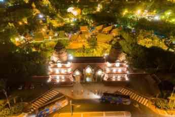 La Compañía Loro Parque apaga las luces durante 'La Hora del Planeta'