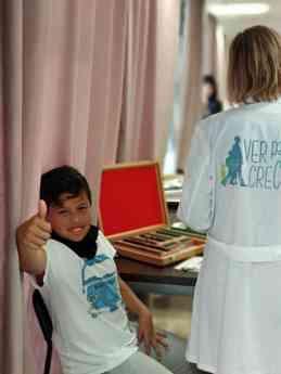 La pizarra se hace visible gracias a 'Ver para Crecer' en Mallorca