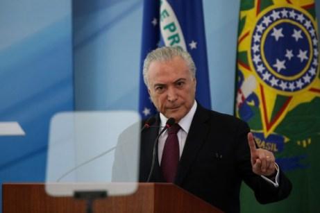 Image result for Temer sanciona reoneração com veto a isenção de imposto sobre diesel