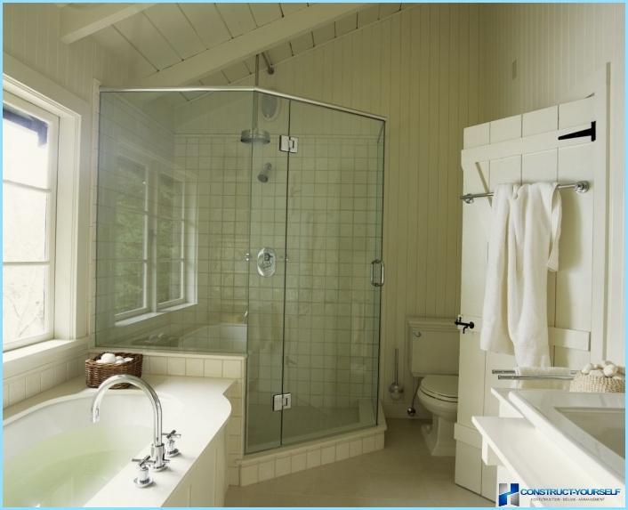 מקלחת אמבטיה קטנה + תמונה