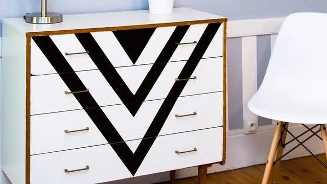 je relooke mes vieux meubles avec de la peinture en photo customiser une commode