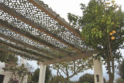 Pergolas Abris De Jardin Pour Se Proteger Du Soleil En Terrasse Cote Maison