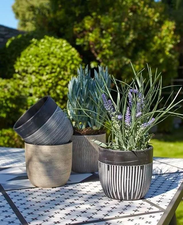 pot de fleurs pour terrasse ou balcon
