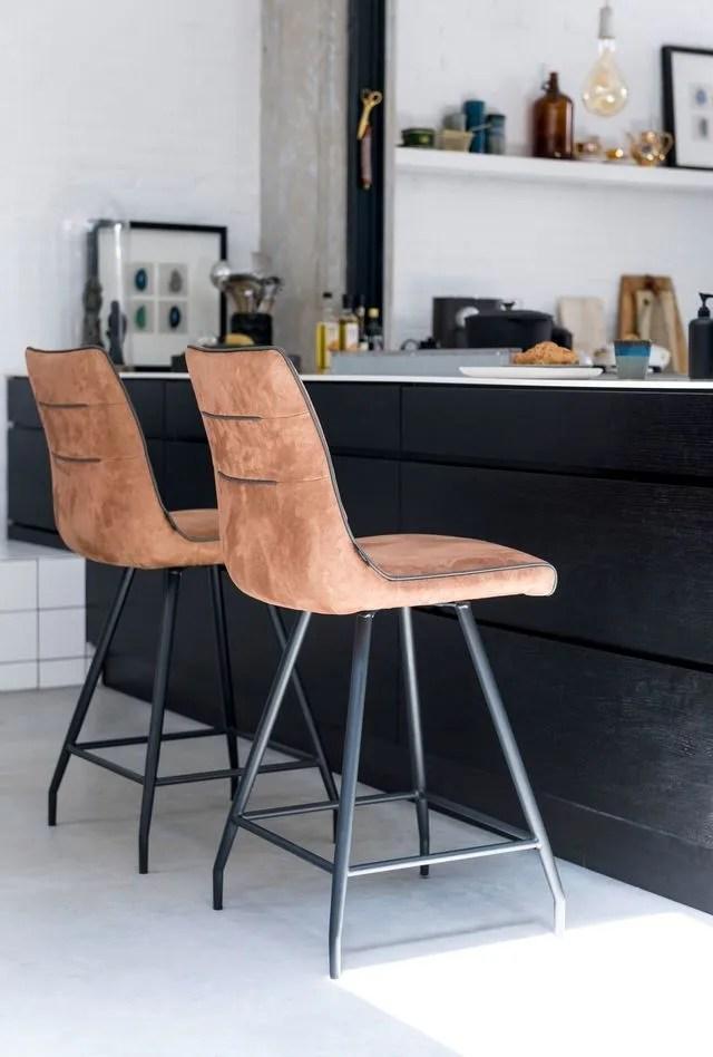 chaise versus chaise de bar laquelle