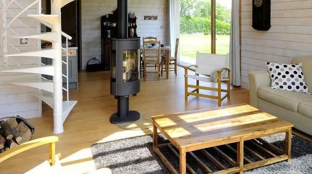 une petite maison d architecte en bois