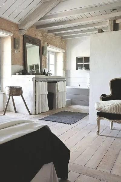 Creer Un Effet Blanchi Sur Les Meubles Le Sol Les Murs Cote Maison