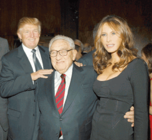 KISSINGER CON DONALD E MELANIA TRUMP