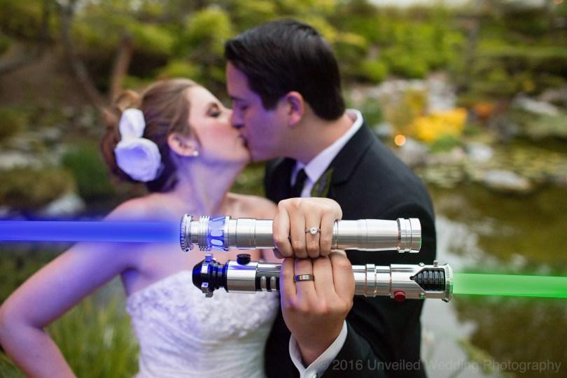 5df743d543831 star wars wedding cory carrie shields 48 - Casal teve um casamento com o tema Star Wars