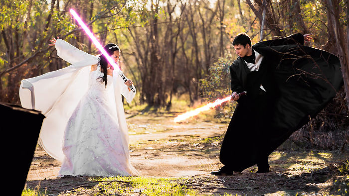 5df743dbb3d5c star wars wedding cory carrie shields 5df23a228d173  700 - Casal teve um casamento com o tema Star Wars