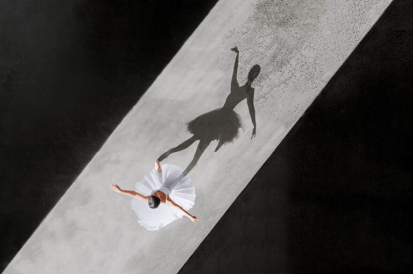5fa8f914e248b EB 2 3 5f9e09d9b93b7  880 - 12 fotos hipnotizantes de bailarinas vistas de cima, capturadas por Brad Walls