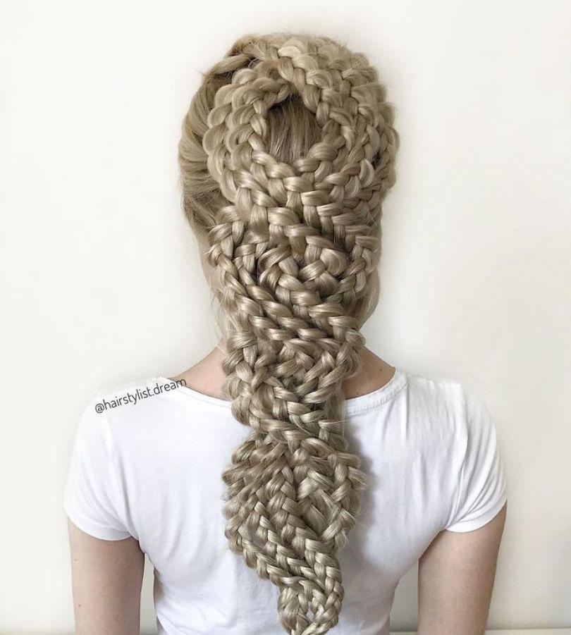 5fc4a339a63f3 hairstyles patterns teenager milena germany45 5f50e5093d7e4  700 - Menina Hairstyler de 17 anos faz sucesso nas Redes Sociais