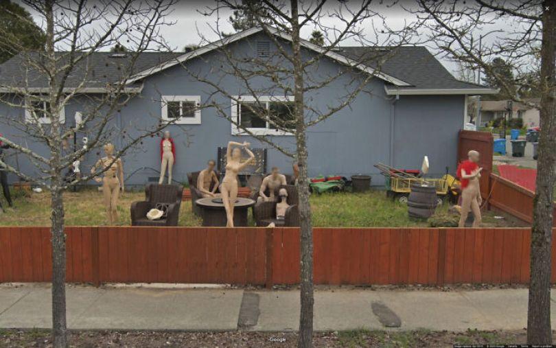 606176f2b8c9e google street view funny pics jon rafman 121 605c5b15991b6 png  700 - As descobertas mais interessantes do Google Street View