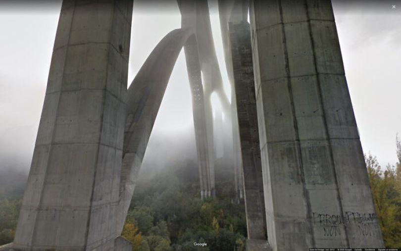 606176f3d88ab google street view funny pics jon rafman 98 605c5acf2e525 png  700 - As descobertas mais interessantes do Google Street View