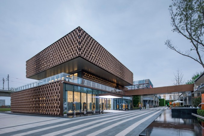 NAN architects covers a sales center with a geometrical