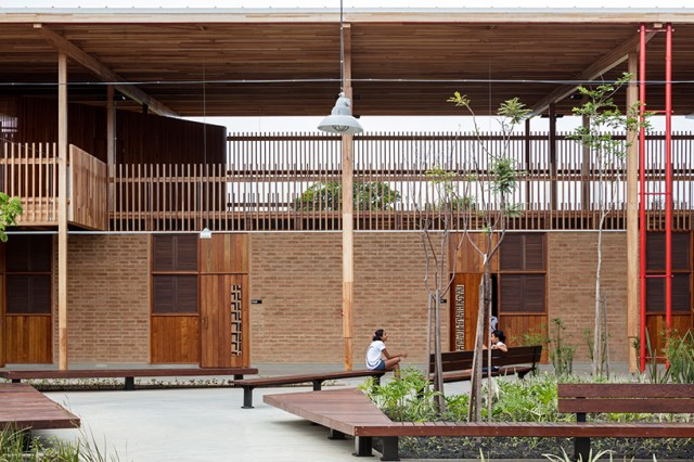 children village school brazil aleph zero rosenbaum RIBA international prize designboom