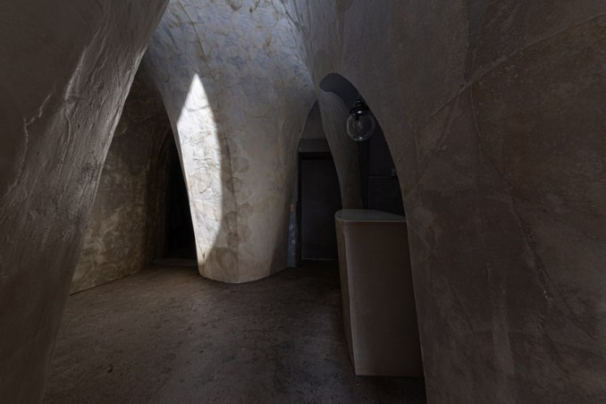 OFDA associates transforms former ice storage house into fujihimuro gallery in japan designboom