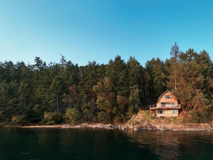 acorn cabin powers