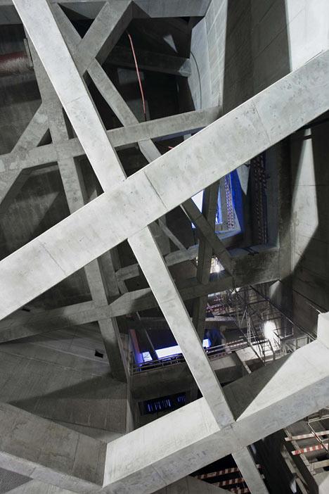 Fővám tér by Spora Architects
