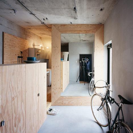 Setagaya Flat by Naruse Inokuma Architects