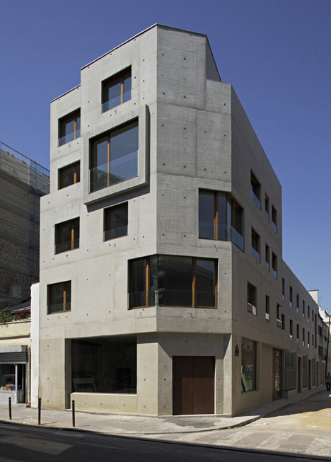 8 dwellings, 4 artist studios and 1 retail area by Charles-Henri Tachon