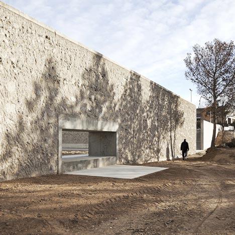 Valdefierro Park by Héctor Fernández Elorza and Manuel Fernández Ramírez