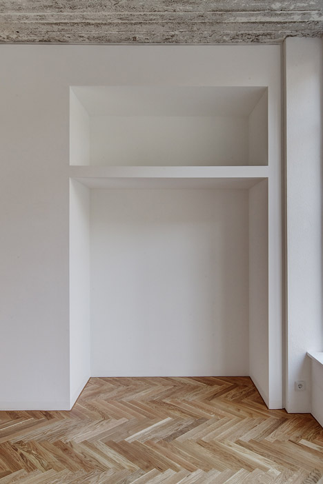 Box 117 by Marc Benjamin Drewes and Thomas Schneider