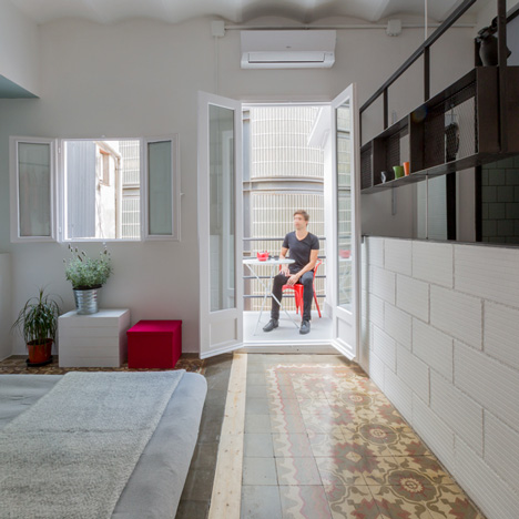 Roc 3 apartment in Barcelona by Nook
