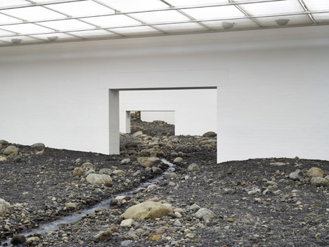 Riverbed-by-Olafur-Eliasson_dezeen_468_2