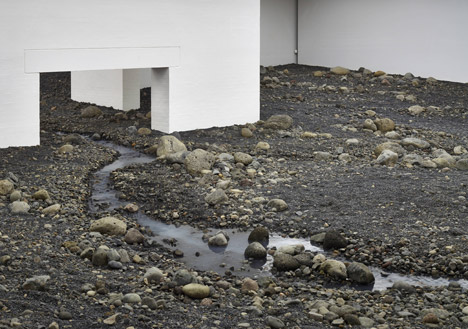 Riverbed-by-Olafur-Eliasson_dezeen_468_5