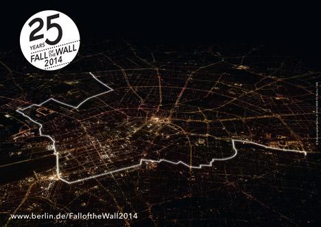 WW1, Berlin Wall Fall and Drama - White balloons in Berlin